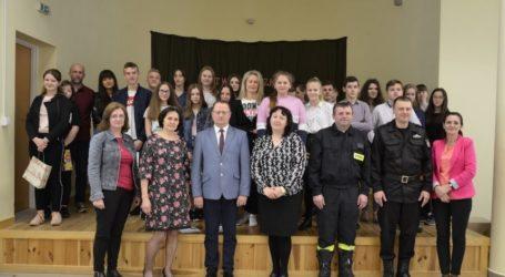 """Eliminacje gminne OTWP """"Młodzież zapobiega pożarom"""" w Mniszkowie"""
